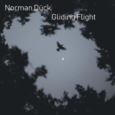 نورمن دوک در حال پرواز